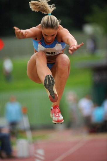 Female track athlete